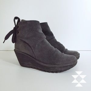 Fly London Yama Ankle Bootie Boot in Diesel 40/8.5